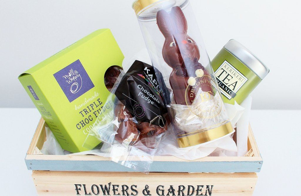 Bunny Easter Egg & Afternoon Tea Hamper | Easter Gift Idea | The Gift Loft (NZ)