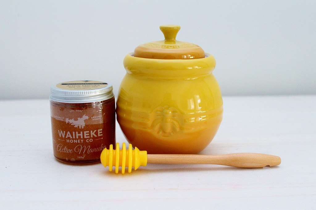 Le Creuset Honey Jar & Waiheke Honey Co Manuka Honey | Gift for Him or Her | The Gift Loft (NZ)
