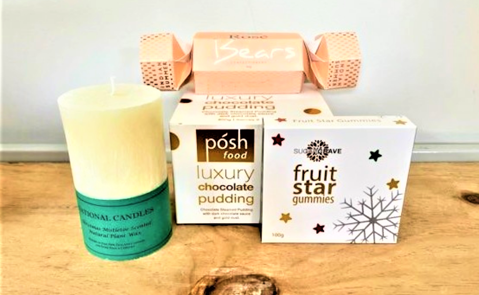 Mistletoe Pillar Candle & Sweet Treats Hamper