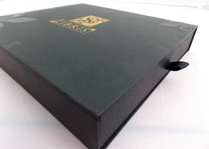 SB Libris' black signature gift box