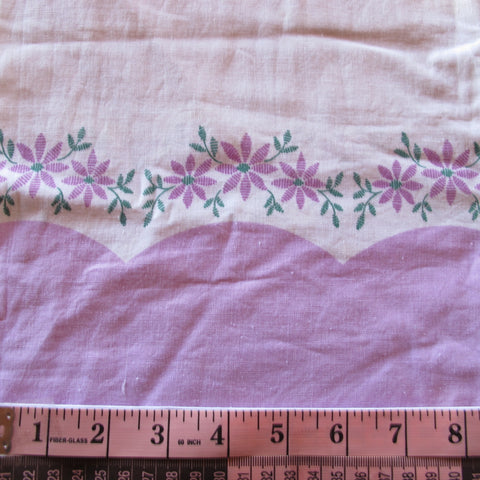 Feedsack 064 Lilac Floral Border Slipping
