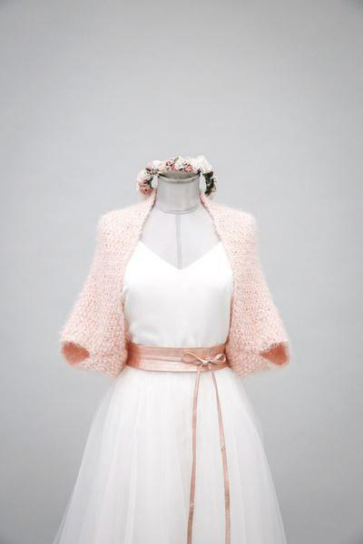Kurzes Brautjäckchen, Strickjacke, Brautbolero in Rosa - Hold Me Now Mini