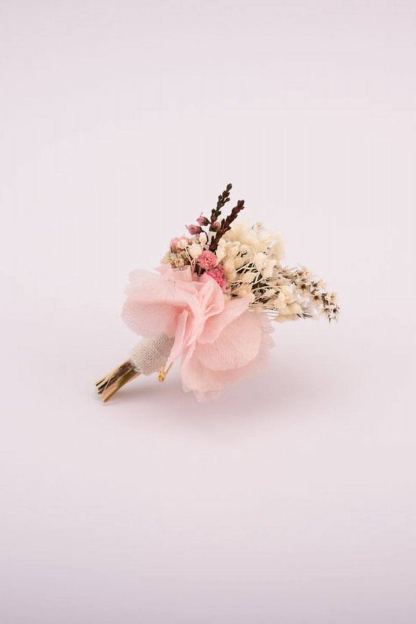 Plug flower in pin and natural tones for the groom - Jeanne