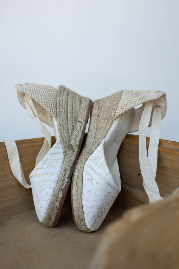 Keil-Sandalette, Braut Wedges in Ivory mit Boho Spitze - Louise