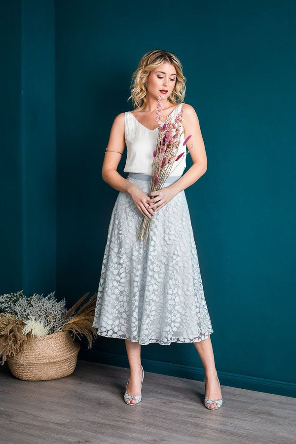 Calf skirt in grey-blue botanical lace - Liza Blue