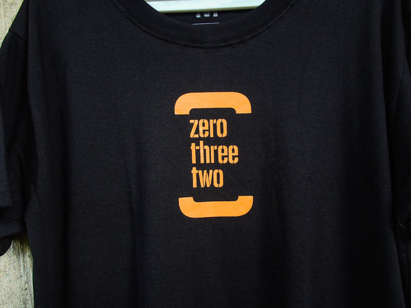 The Classic Zerothreetwo Men (Black Shirt)