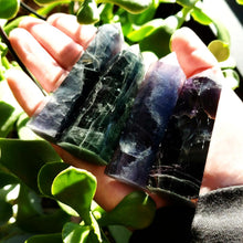 Load image into Gallery viewer, Blue Fluorite Emerald Fluorite Tower Point 75mm - Elevated Metaphysical