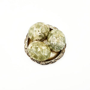 Prehnite Palm Stone Gallet - Elevated Metaphysical