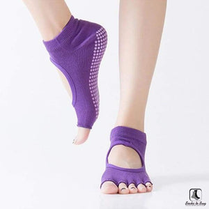 5 Toe Sports Fitness Yoga & Pilates Anti-Slip Socks - Socks to Buy 6