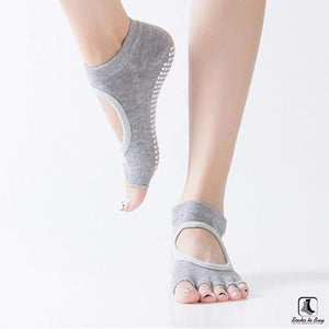 5 Toe Sports Fitness Yoga & Pilates Anti-Slip Socks - Socks to Buy 9
