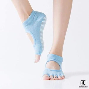 5 Toe Sports Fitness Yoga & Pilates Anti-Slip Socks - Socks to Buy 5