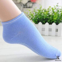 Load image into Gallery viewer, Anti Slip Fitness Socks - Socks to Buy 1