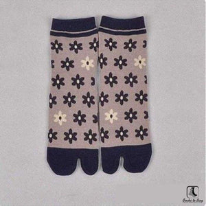 The Nonconformist Tabi Kimono Flip-Flop Socks - Socks to Buy 3