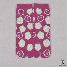 Load image into Gallery viewer, The Nonconformist Tabi Kimono Flip-Flop Socks - Socks to Buy 5