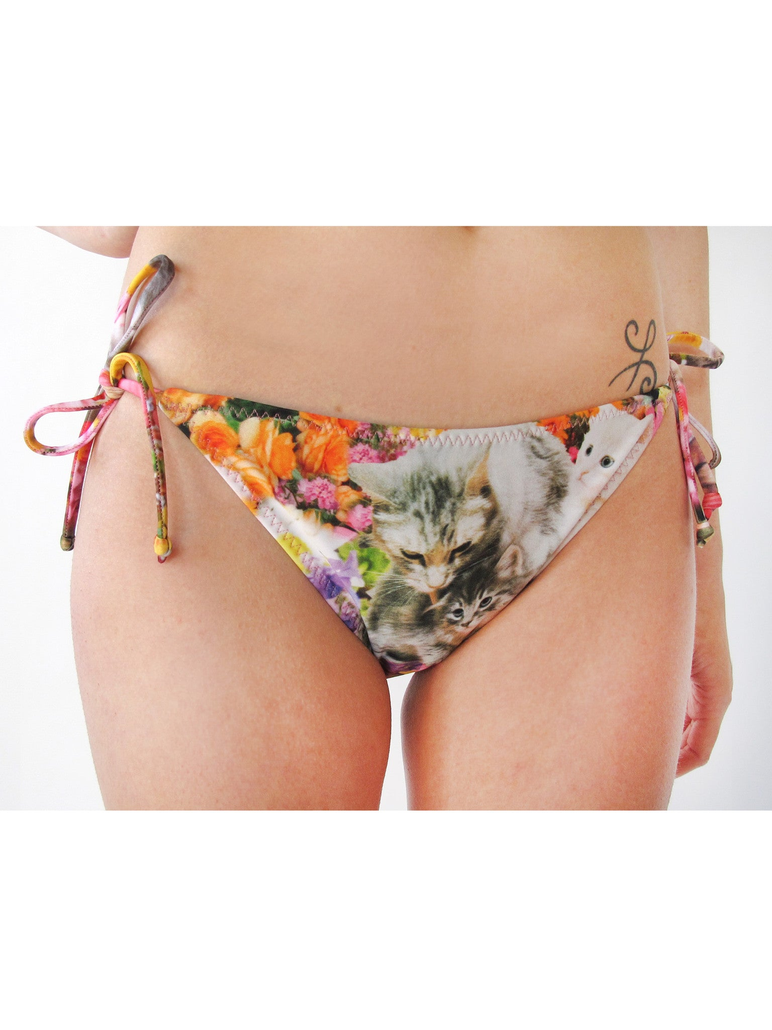 Kitty Garden Party String Bottom