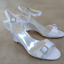 Load image into Gallery viewer, Bridal Shoes- S300