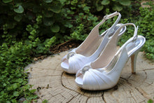 Load image into Gallery viewer, Bridal Shoes- S200