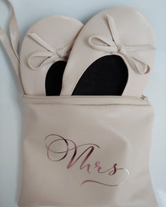 Bridal pumps in personalised pouch