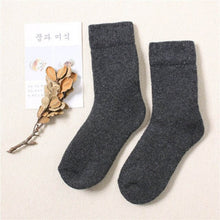 Load image into Gallery viewer, Urgot 3 Pairs Super Thicker Socks Merino Wool Rabbit Socks Against Cold Snow Russia Winter Warm Funny Happy Male Men Socks Meias