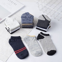 Load image into Gallery viewer, Urgot 10pcs=5 Pairs/lot Men's Short Socks Vintage Nation Style Casual Ankle Socks Men's Low Cut Male Boat Socks Meias Calcetines