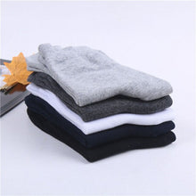 Load image into Gallery viewer, Urgot 10 Pairs/lot 2020 Mens Cotton Socks New styles Black Business Men Socks Breathable Autumn Winter for Male Meias Calcetines