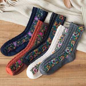Urgot 3 Pairs 2020 New Fashion Women's Socks Cotton Euramerican National Wind Flowers Autumn and Winter Lady Socks Warm and Cute