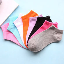 Load image into Gallery viewer, Urgot 10 Pairs Women's Low Cut Socks Cotton Spring Summer Candy Color Invisible Boat Socks Casual Cotton Ankle Socks Wholesale