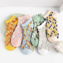 Load image into Gallery viewer, Urgot 5 Pairs Women's Ankle Socks 2020 Fashion Mosaic Patchwork Women Socks Japanese Wild Cotton Boat Socks Calcetines Meias Sox