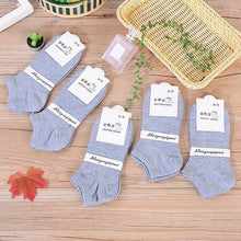 Load image into Gallery viewer, Urgot 5 Pairs Womens Socks Spring Summer Lady Candy Color Boat Socks Black White Grey Ankle Socks Cotton Female Meias Calcetines