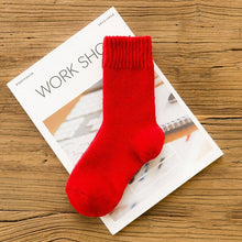 Load image into Gallery viewer, Urgot 5 Pairs Autumn Winter Women's Thick Wool Socks Ladies Soft Warm Long-haired Rabbit Wool Short Socks Women Basic Sox Hosen