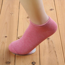 Load image into Gallery viewer, Urgot 6 Pairs/lot Candy Colors Basic Section Women Casual Softable Cute Boat Socks Short Ankle Socks Girls Ladies Low Cut Socks