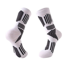Load image into Gallery viewer, Urgot 3 Pairs Men's Trendy Elite Basket Ball Socks Thickened Towel Bottom Long Tube Socks Elite Sports Socks Calcetines Hombre