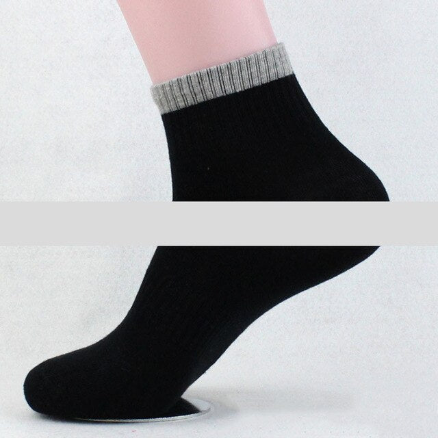 Urgot 5 Pairs Men's Spring Autumn Long Tube Cotton Socks Men Breathable Casual Elastic Sports Socks Male Boys Meias Calcetines