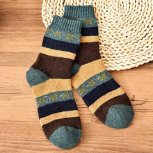 Load image into Gallery viewer, Urgot 5 Pairs Funny Colorful Men Socks Vintage Striped Totem Teenager Wool Blend Warm Winter Socks Men Suit Business Socks Women