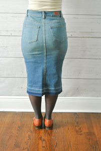Vintage wash fitted button down skirt - MODESTALINDA