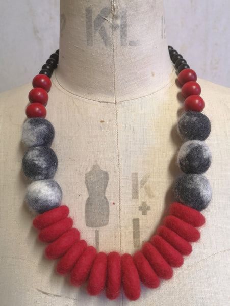 Throw on Merino and Wood Necklace Mottled