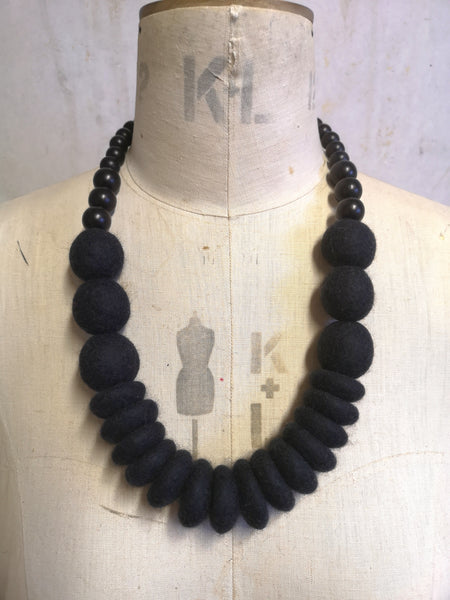 Throw on Merino and Wood Necklace Charcoal