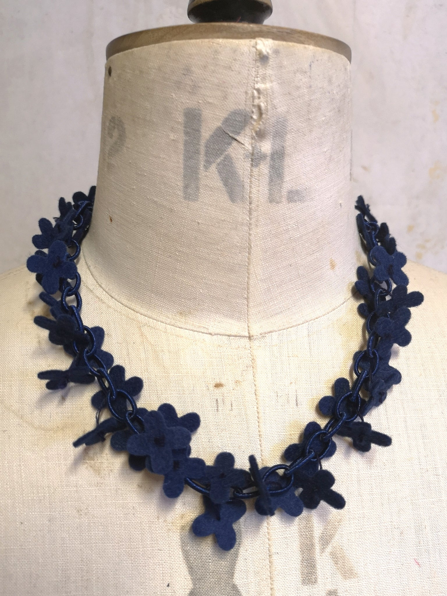 Flower Confetti Necklace Navy