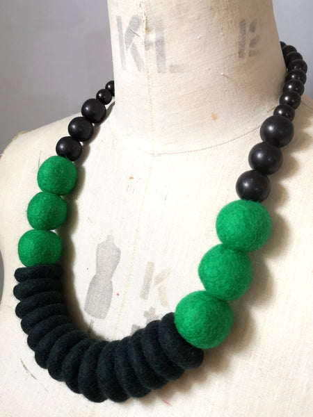 Throw on Merino and Wood Necklace Emerald
