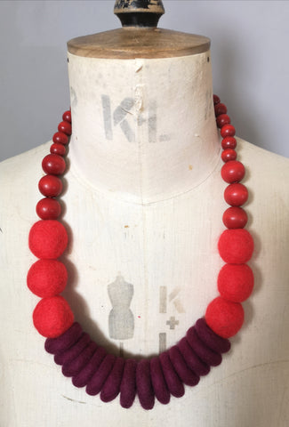 Throw on Merino and Wood Necklace Dark Red