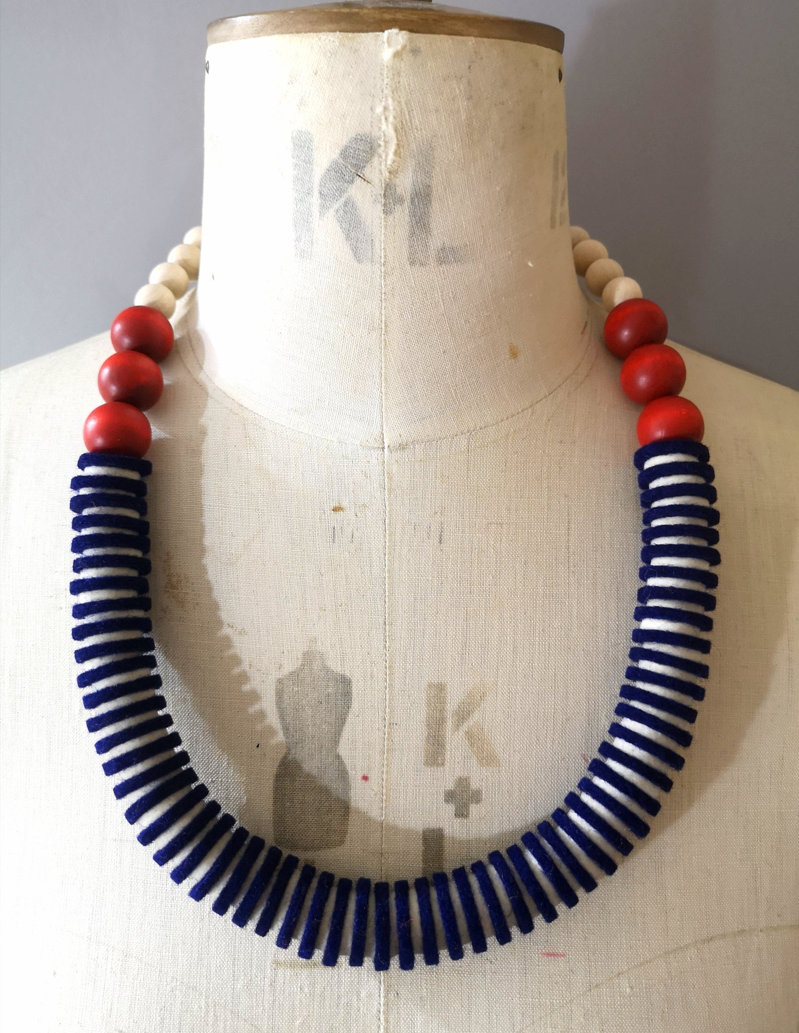Vertebrae Necklace in Breton