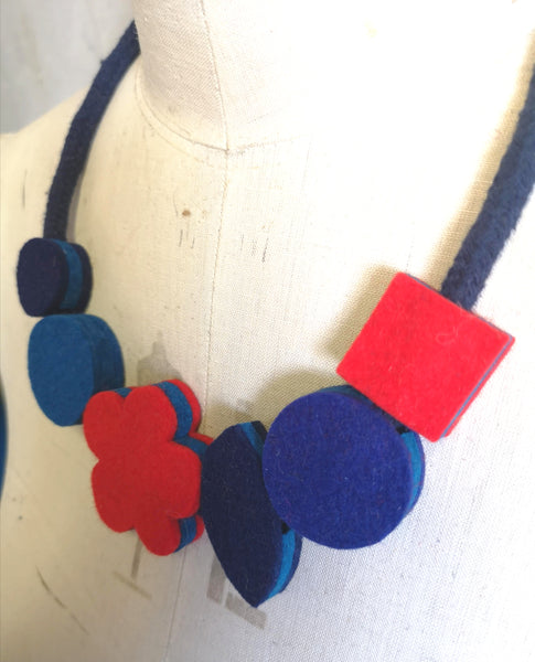 Pop Flower Necklace Breton