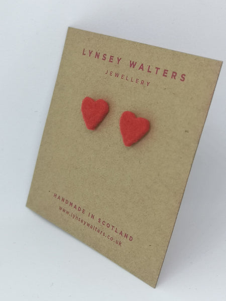 Tiny heart studs - Red