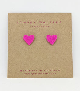 Tiny heart studs - Pink