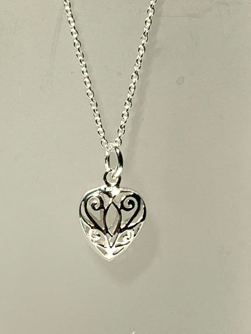 Filigree Puff Heart Necklace - pixi-daisy