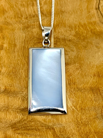 Mother of Pearl Pendant from Pixi Daisy