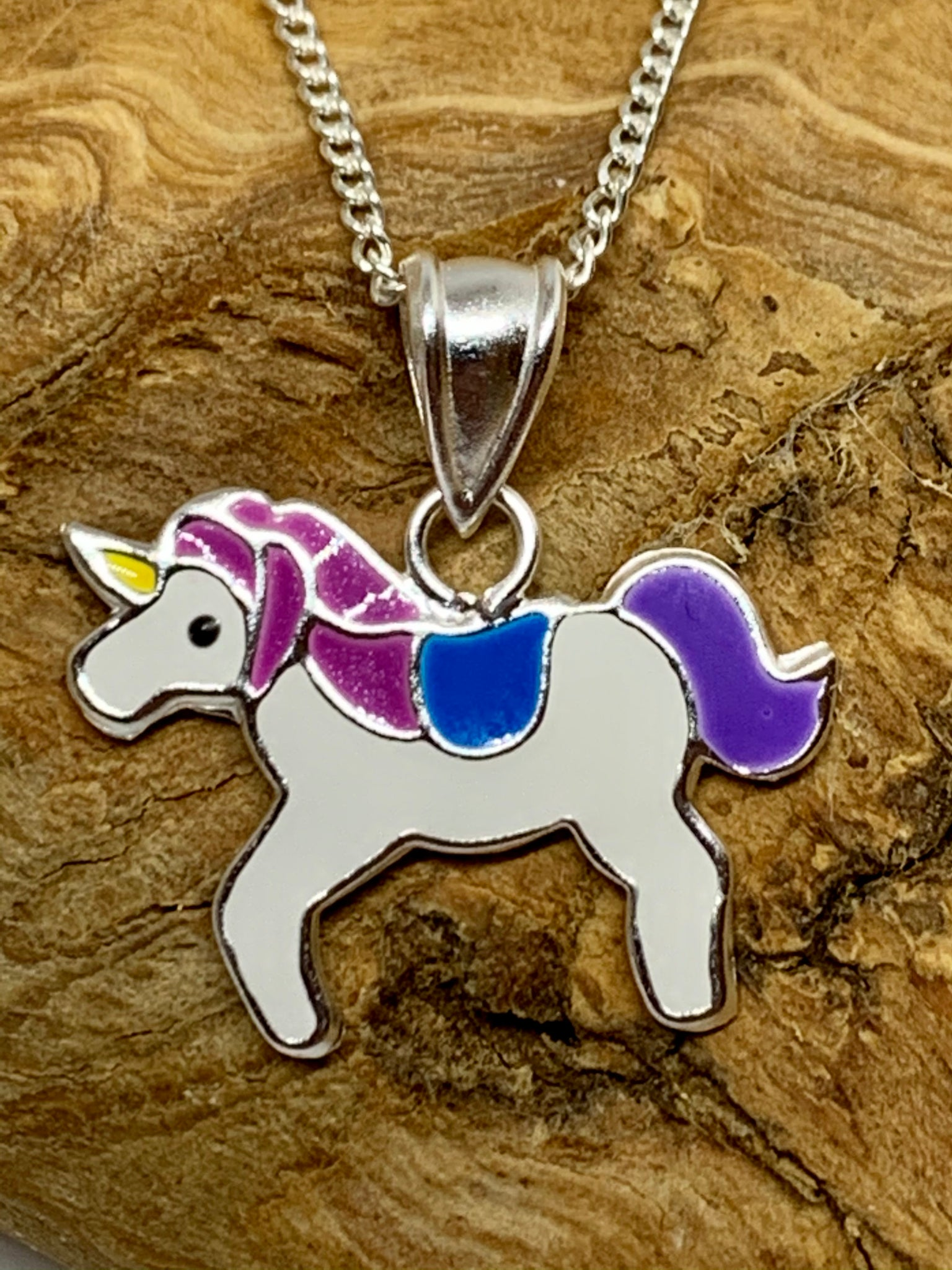 Unicorn necklace from Pixi Daisy