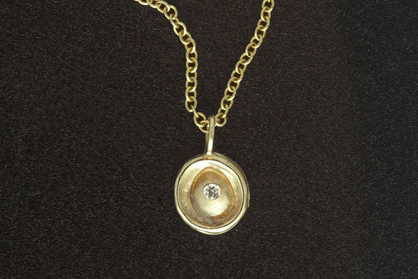 Basin Pendant Gold