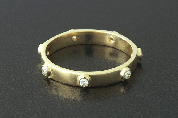 Stud Ring with Diamonds