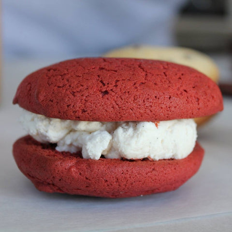 velvety red whoopie pie with red velvet cakes and vanilla filling